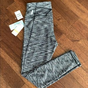 Zella leggings black and white stripe NEW!